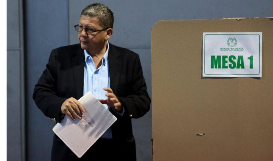 La guerra sucia de RCN contra Pablo Catatumbo - Pablo-Catatumbo-puesto-de-votación