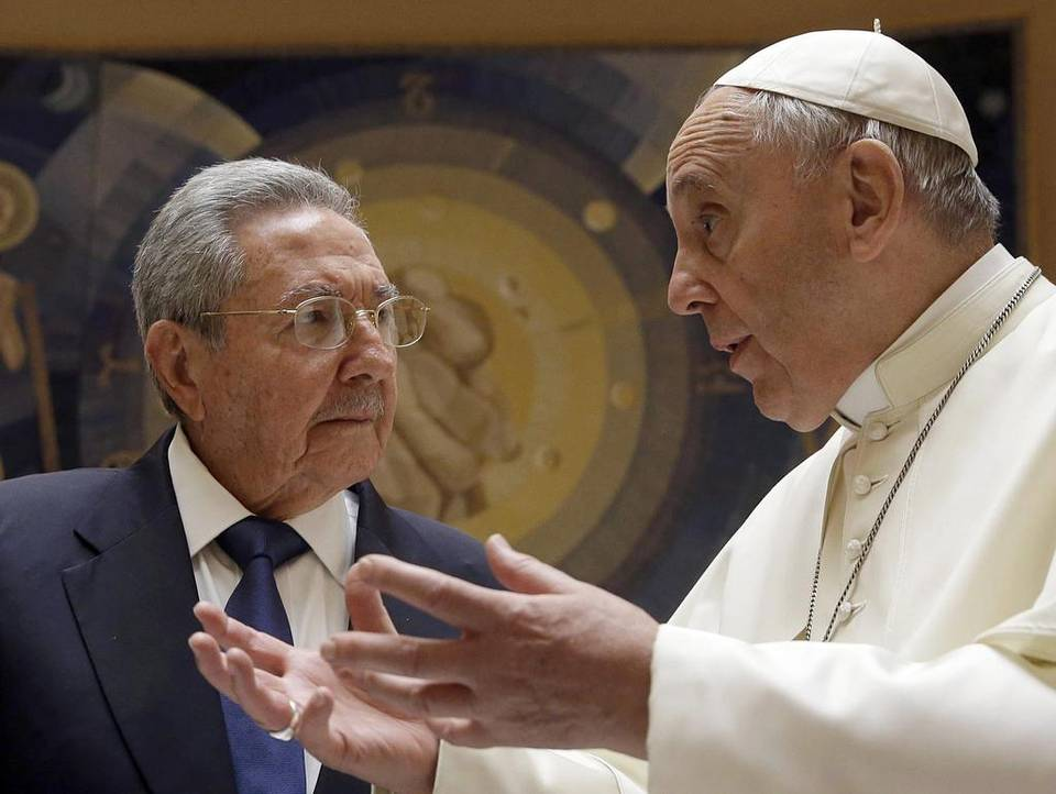 Resultado de imagen para fotos del papa y raul castro