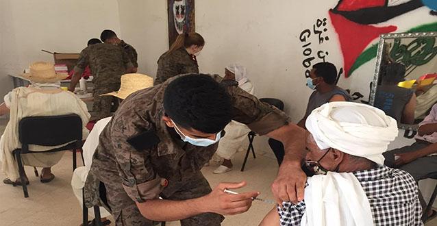 دوز: انطلاق حملة التلقيح بإشراف الصحة العسكرية و الادارة الجهوية للصحة (صور)