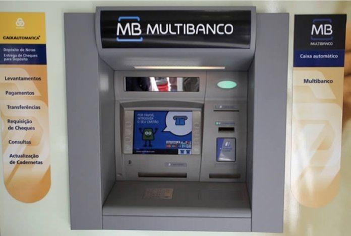 Encontrou dinheiro no multibanco e quer devolvê-lo