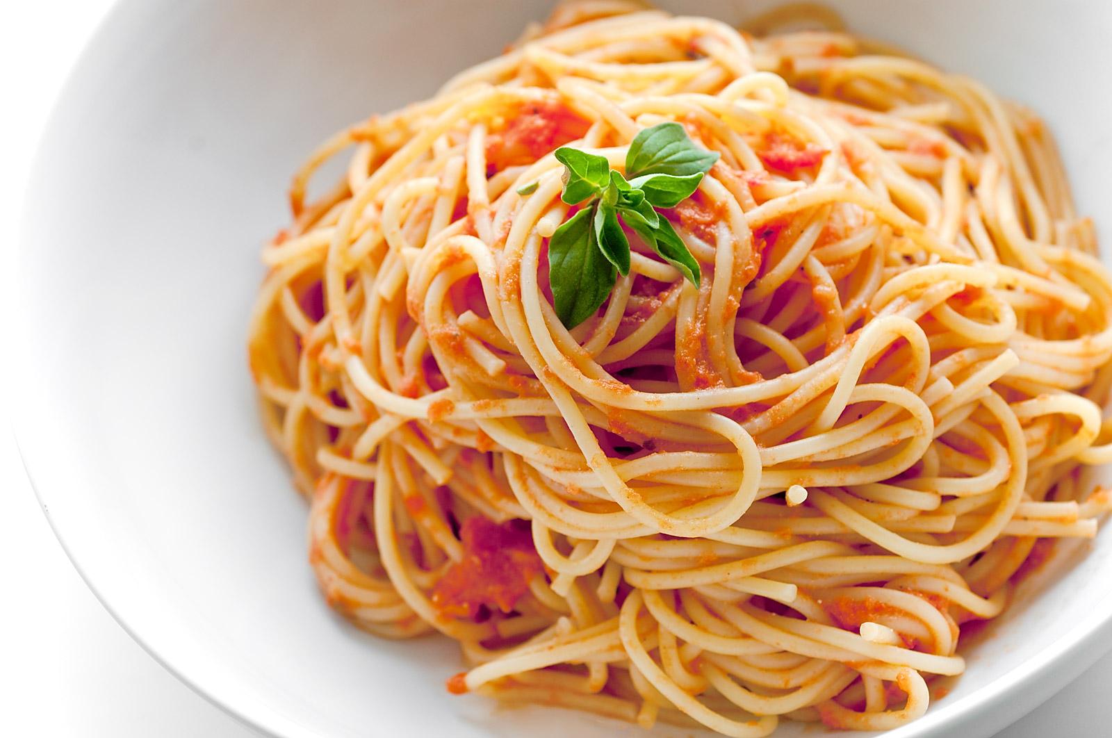 Diete – La pasta non ingrassa. Una ricerca demolisce un luogo comune. E gli spaghetti… - Radionorba