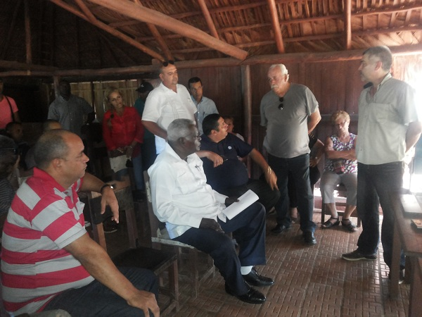 Constata Esteban Lazo reanimación de obras en La Habana