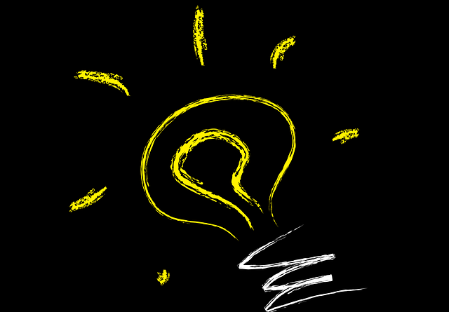 Ampoule lumineuse qui signifie d'être créatif