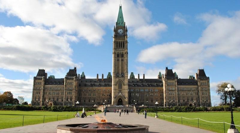 Publicité : Ottawa doit rapidement revenir vers les médias locaux
