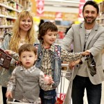 Une famille à l'épicerie