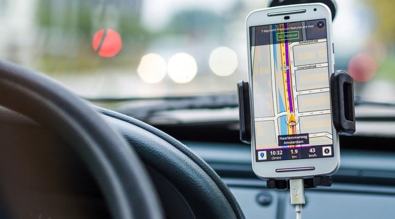 Distraction au volant : la radio est l'une des sources les plus faibles