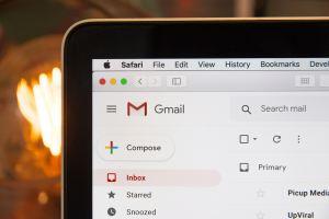 Une boîte Gmail à l'écran d'un ordinateur