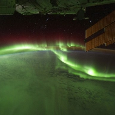 صورة لأضواء الشفق القطبي الشمالي فوق المحيط الهندي