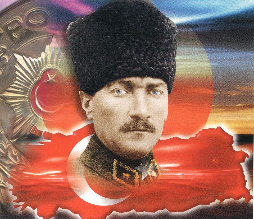 Turkije-herdenkt-Atatürk-73-jaar-na-zijn-dood