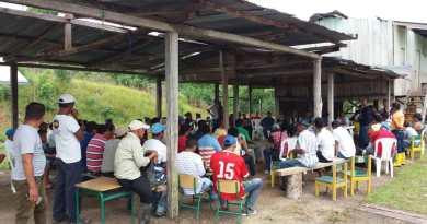 Una reunión sin acuerdos obligó a los habitantes de la comunidad Santa Rosa de Ocano perteneciente a la parroquia Pacayacu cantón Lago Agrio en la provincia de Sucumbíos a adoptar una medida de hecho junto a la plataforma que opera la compañía Orión