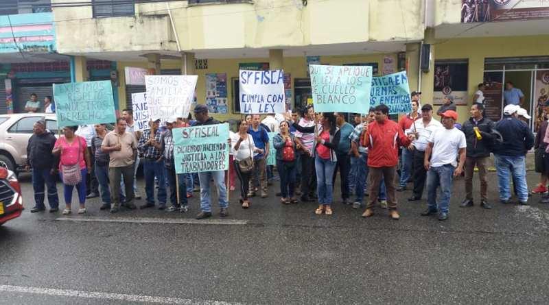 Trabajadores despedidos exigen al Fiscal cumplir sentencia del Ministerio de Trabajo