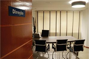 Direção e Sala de Reunião
