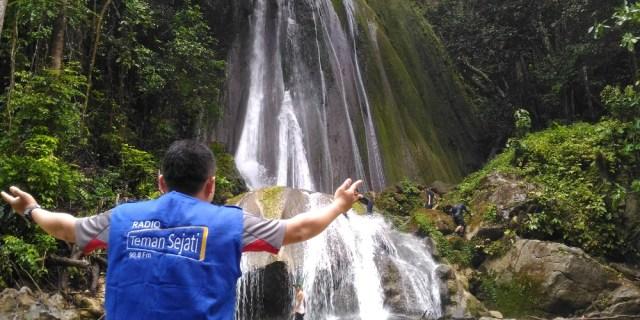 Menjelajah Air Terjun Muaro Lambeh Pinti Kayu Solok Selatan