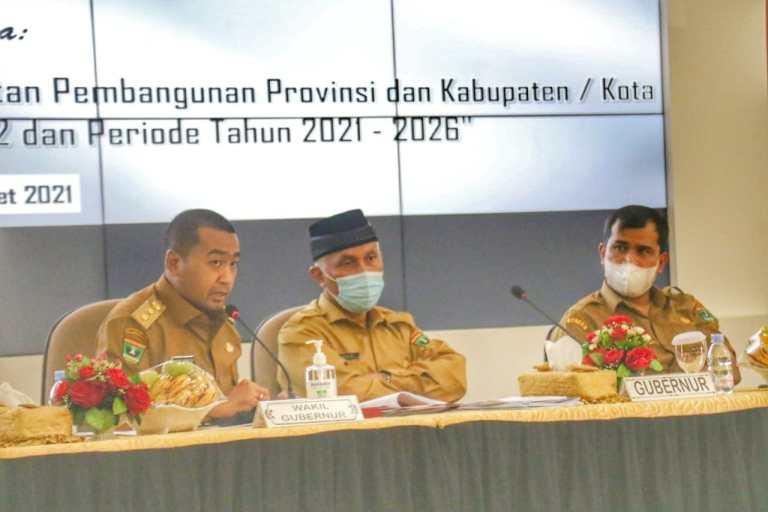 Gubernur Dukung Pendirian SMK Peternakan di Solsel