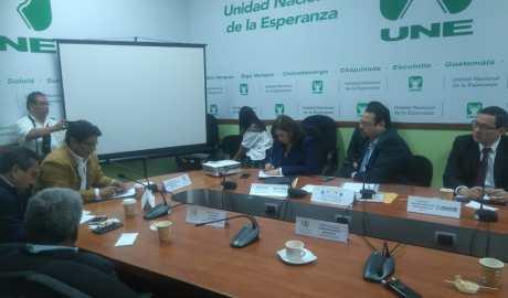 Ministro de Comunicaciones presentó proyectos para mejorar red vial en Guatemala
