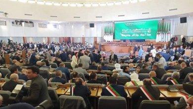 صورة لقاء الحكومة بالولاة يكشف عن جملة من القرارات والاجراءات الجديدة