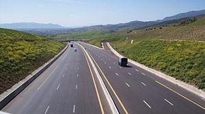 صورة منع حركة سير السيارات الخاصة في 29 ولاية لمدة أسبوع بدءا من يوم غد الجمعة