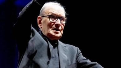 """صورة وفاة الموسيقار العالمي الإيطالي إنيو موريكوني مؤلف موسيقى """"معركة الجزائر """""""