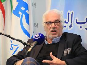 صورة البروفيسور صنهاجي للإذاعة : الظرف الصحي العاجل حتّم على الجزائر اقتناء لقاحات متنوعة