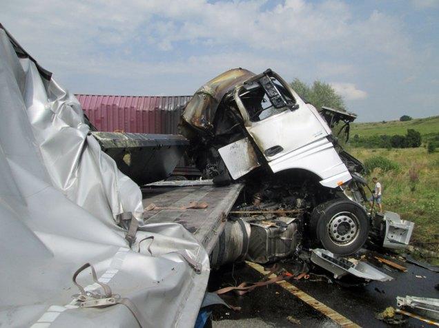 accident trei autotrenuri Lugoj