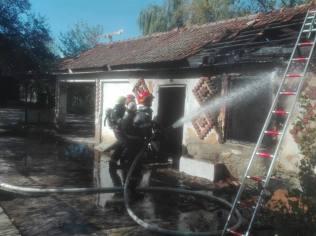 incendiu cladire dezafectata 3
