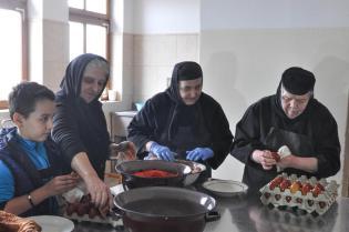 manastirea Sag vopsirea oualor 8