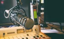 910732551-radio