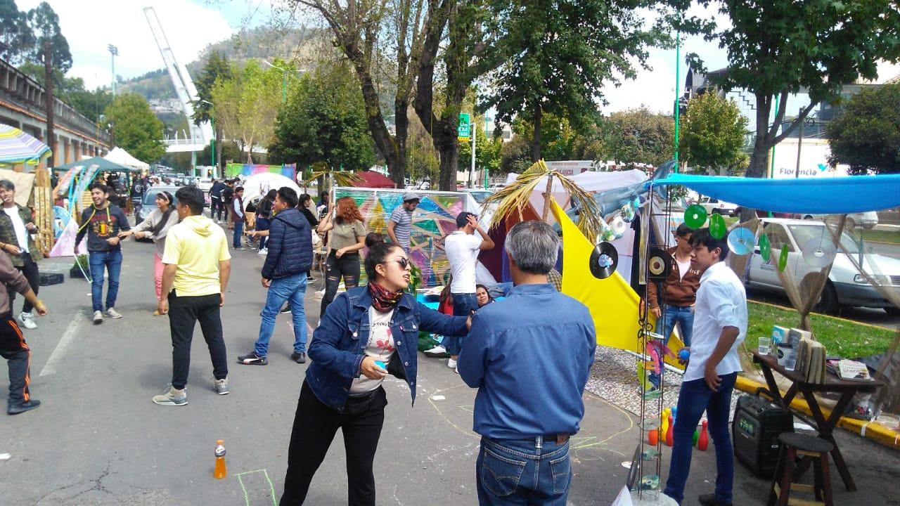 UNIVERSITARIOS CELEBRAN EL PARKING DAY EN TOLUCA
