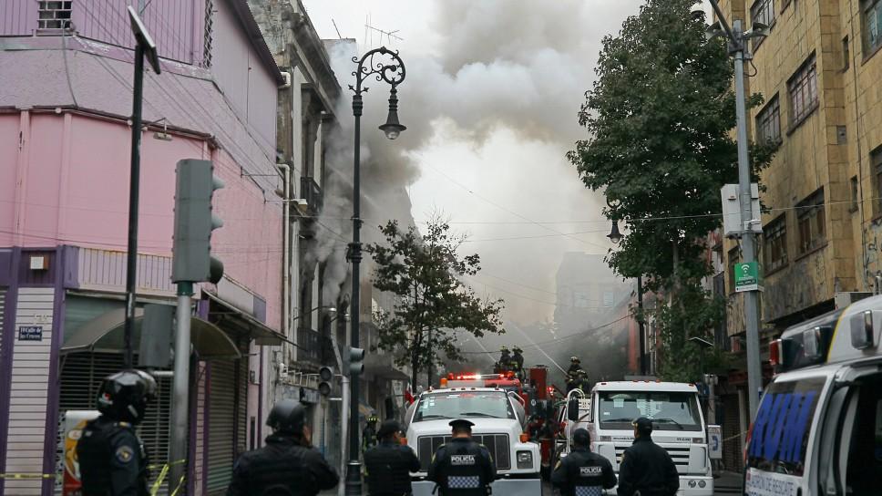 SE REGISTRA INCENDIO EN EL CENTRO HISTÓRICO DE LA CDMX