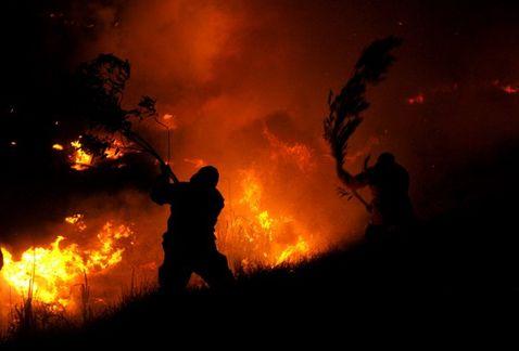 BOMBEROS CONTROLAN INCENDIO EN PASTIZALES DE CUEMANCO, XOCHIMILCO