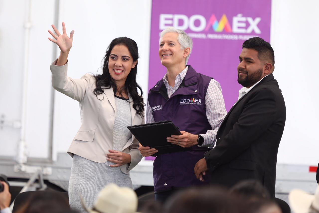 ALFREDO DEL MAZO ATESTIGUA BODAS DE 130 PAREJAS MEXIQUENSES