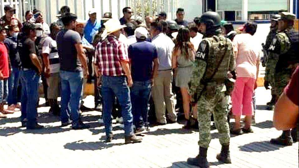 RIÑA EN BALNEARIO DEJA TRES PERSONAS MUERTAS