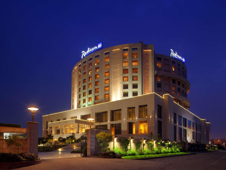 Hotels In Dwarka Delhi Radisson Blu Hotel New Delhi Dwarka