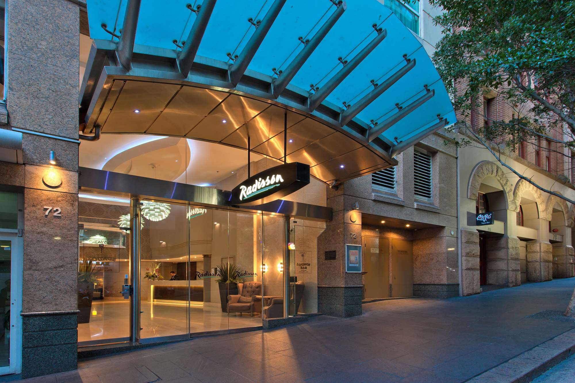 Darling Harbour Hotels Radisson Hotel And Suites Sydney