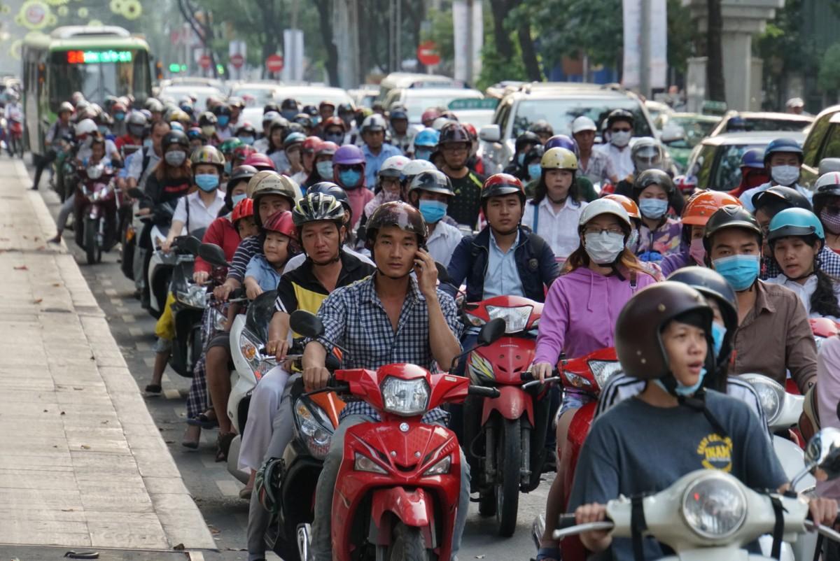 """Im vietnamesischen """"Gleichschritt"""""""