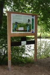 Naturinformationstafel am Ilmenauradweg - Foto: HeideRegion Uelzen e.V. / J. Clauß
