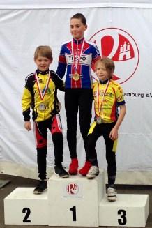 Siegerehrung LVM Einzelzeitfahren - dritter Platz U 11 Linus Gaulke
