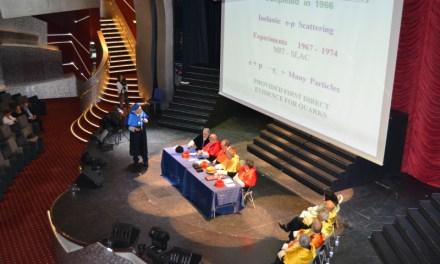 Discurs d'ingrés del Premi Nobel Jerome Friedman: partícules desconegudes a l'interior dels quarks