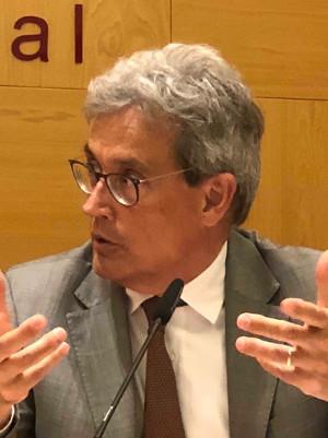 """Debate """"Tabaquismo: presente y futuro"""" Sr. Esteve Saltó"""
