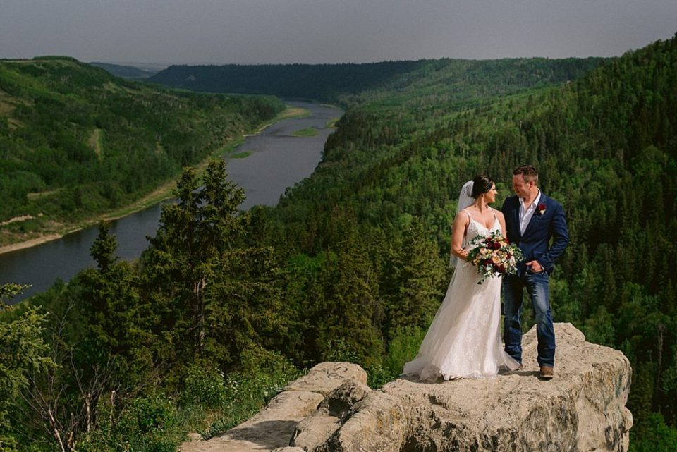 Best-Red-Deer-Wedding-Photographers-Central-Alberta-photographers-Raelene-Schulmeister-Photography-Wedding-photos-at-Faces-near-canyon-ski-hill