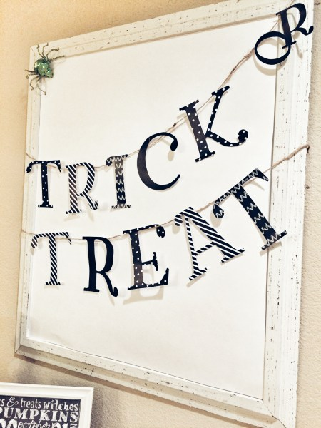 Halloween Trick or Treat Decorations Banner