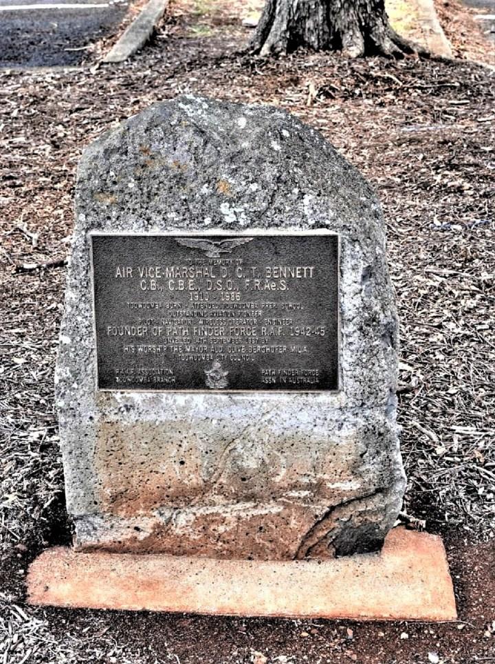 Bennett memorial toowoomba, detail