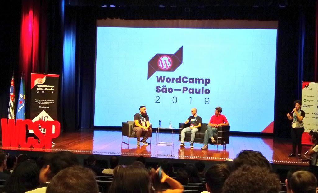 Painel com os desenvolvedores do WooCommerce: Claudio Sanches e Rodrigo Primo