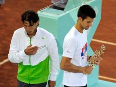 Finale du Masters 1000 de Madrid. Pour la première fois en 10 rencontres, Rafael Nadal est battu par Novak Djokovic. Un match charnière entre les deux hommes, qui marque le début de l'irrésistible ascension du Serbe.