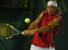 2004. A Miami, il affronte pour la toute première fois Roger Federer et signe un monumental coup d'éclat en battant le numéro un mondial.