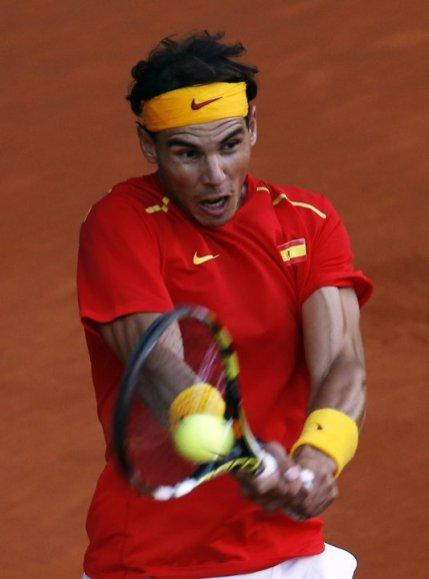 Rafael Nadal beats Sergiy Stakhovsky 60 60 64 Davis Cup (3)