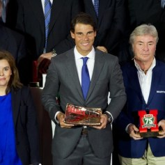 Rafael+Nadal+Rafa+Nadal+Receives+Marca+Award+K07wSRHMo1xl