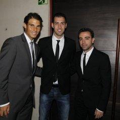 With Sergio Busquets and Xavi Hernández. Photo: Pep Morata/Mundodeportivo.com