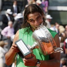 Rafael Nadal's sleeveless shirts (9)