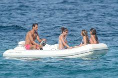 Rafael Nadal enjoys holiday with girfrliend Maria Francisca Perello (15)